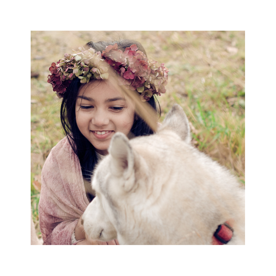 10-Girl-with-Dog-in-Grass-Derby