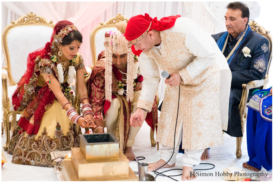 12-Hindu-Wedding-Ceremony-Nottingham