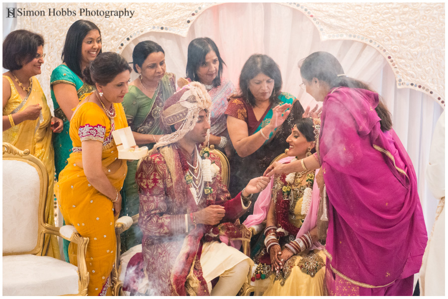 15-Women-Hindu-Wedding-Ceremony-Nottingham